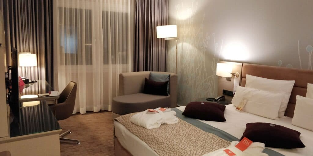 Crowne Plaza Berlin City Centre Zimmer