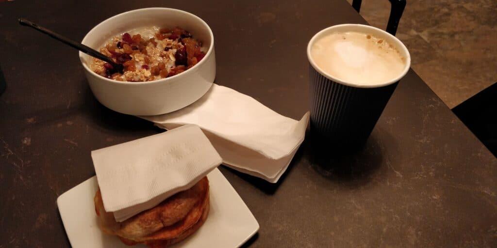 Distrikt Hotel New York Zimmer Frühstück 3