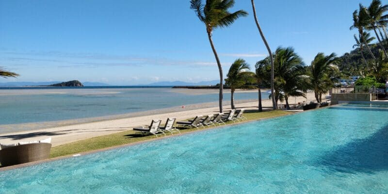 InterContinental Hayman Island Resort Infinity Pool 2