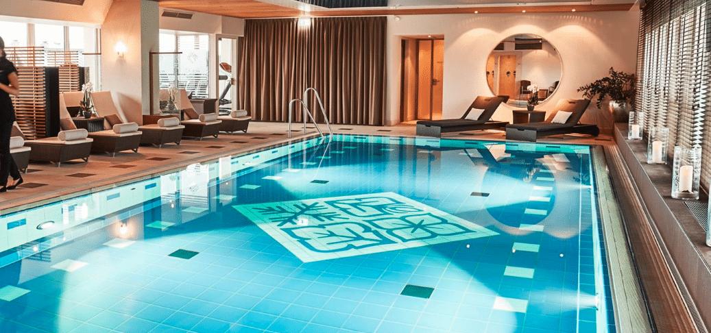 Vier Jahreszeiten München Pool