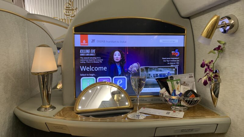 Emirates First Class Airbus A380 Champagner