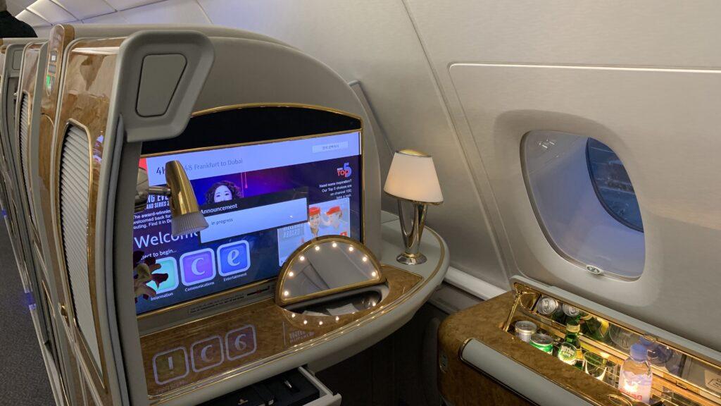 Emirates First Class Airbus A380 Unterhaltung