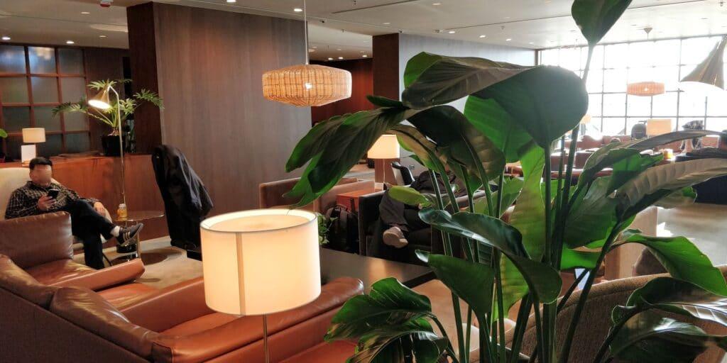 Cathay Pacific The Deck Lounge Hongkong 3