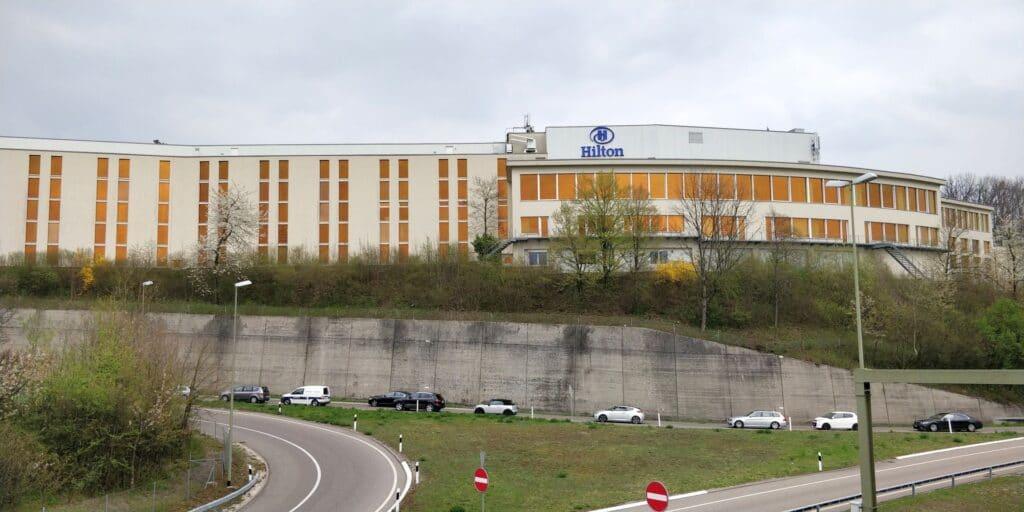 Hilton Zürich Airport Gebäude