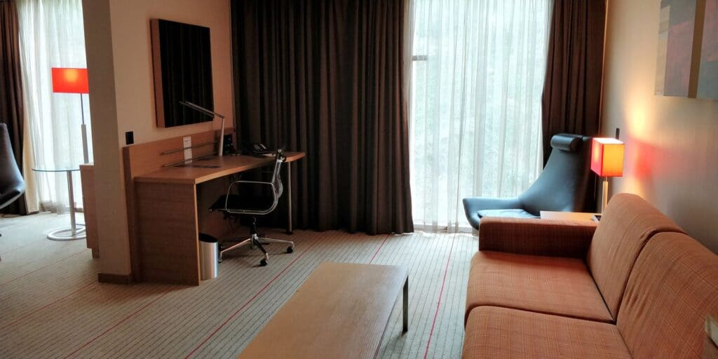 Hilton Zürich Airport Junior Suite 2