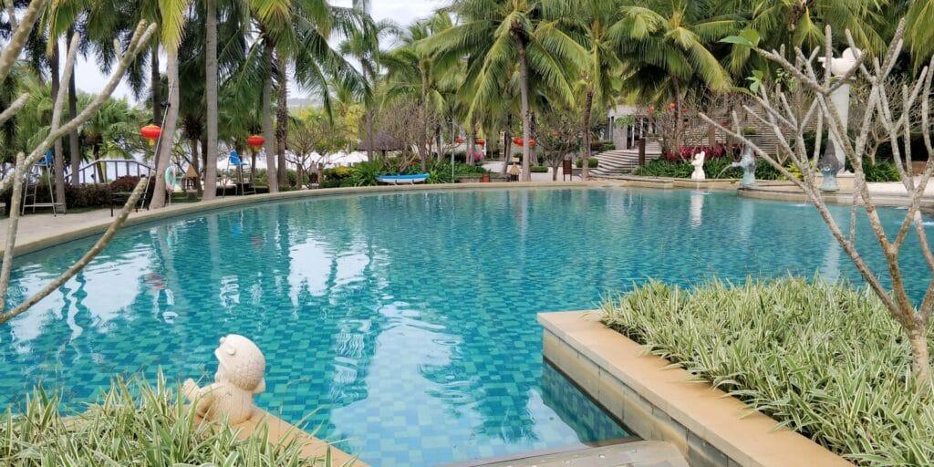 Mandarin Oriental Sanya Pool 5