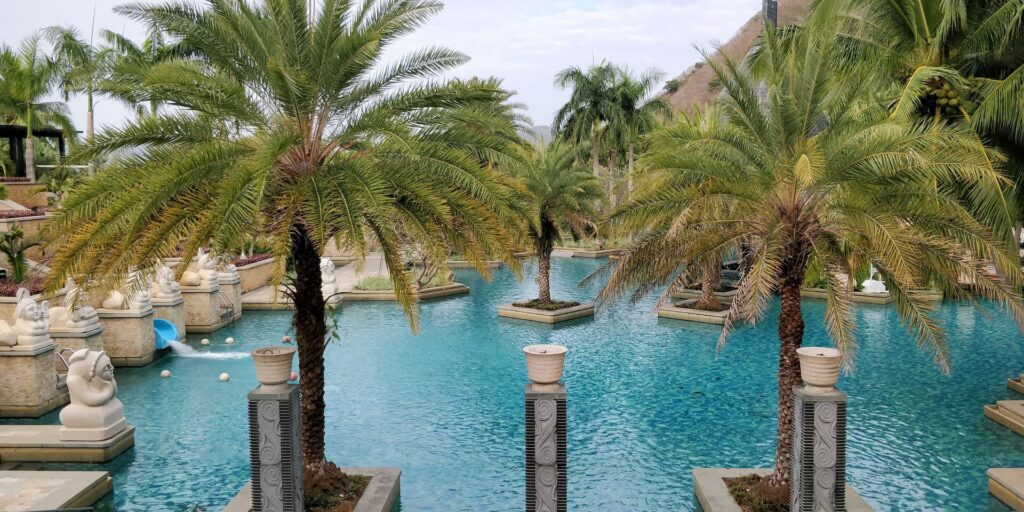 Mandarin Oriental Sanya Pool 8