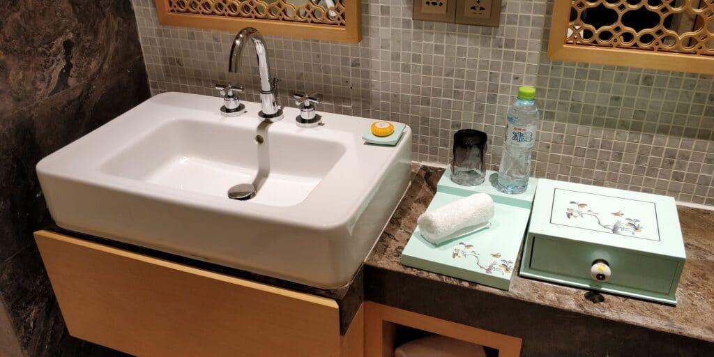 Sanya Yazhou Bay Resort Suite Bad 3