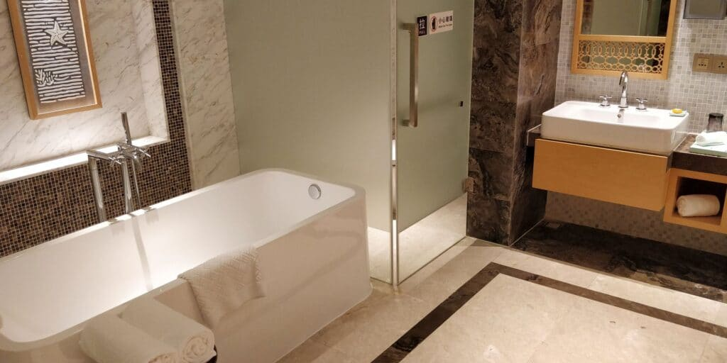 Sanya Yazhou Bay Resort Suite Bad 4
