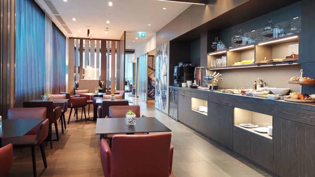 Sheraton Grand Tiflis Club Lounge (2)