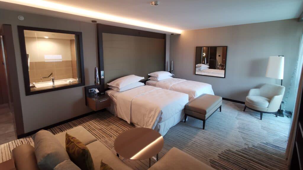 Sheraton Grand Tiflis Zimmer (2)