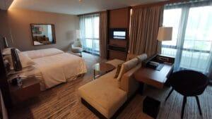 Sheraton Grand Tiflis Zimmer