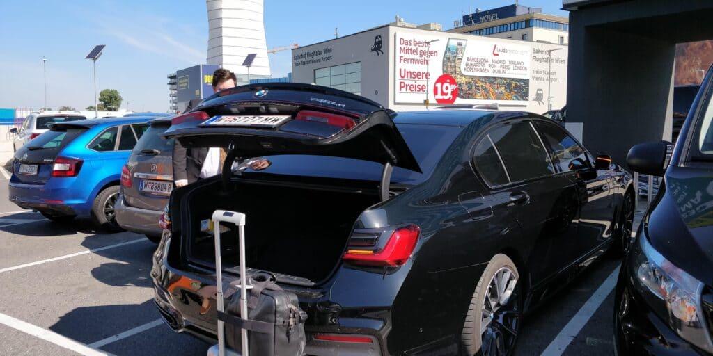 Sixt Ride Chauffeur BMW 7