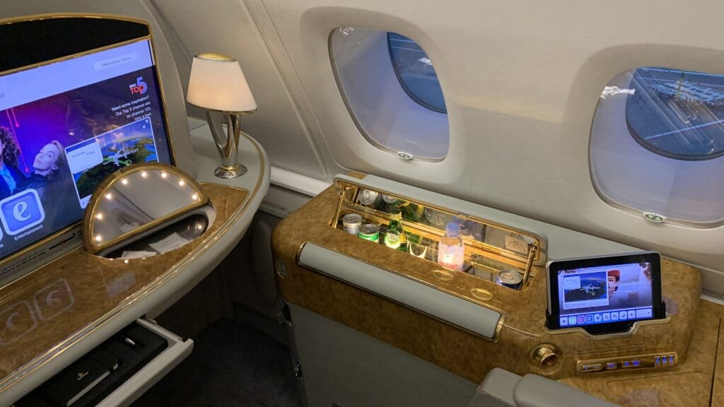 Emirates First Class Airbus A380 Suite Am Fenster