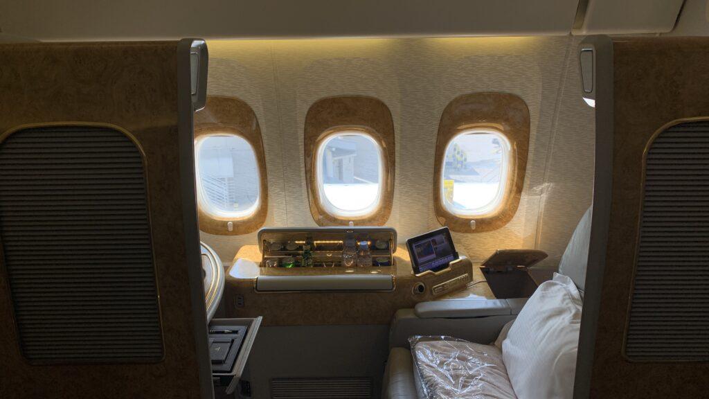 Emirates First Class Boeing 777 Tür