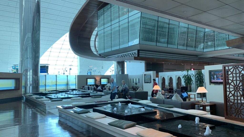 Emirates First Class Lounge Dubai B Eingang