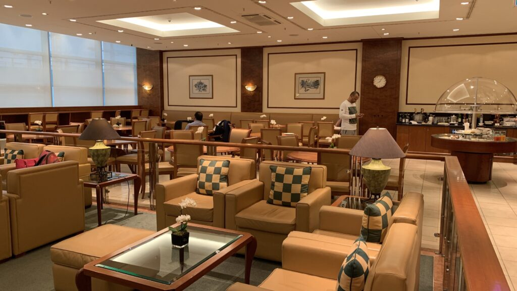 Emirates Lounge Frankfurt Decor