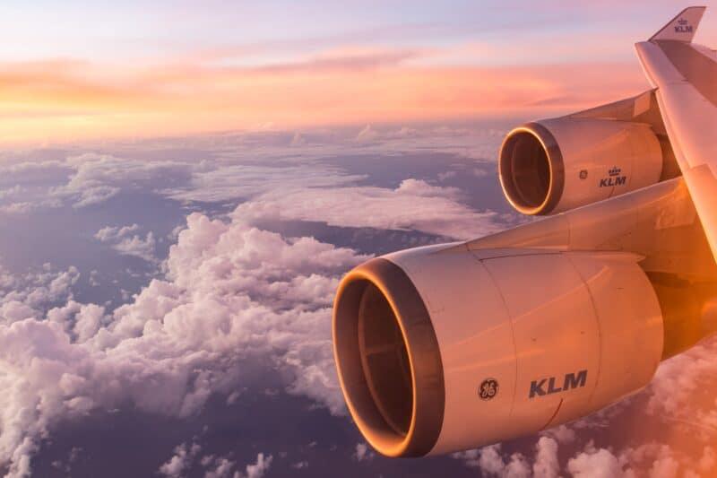 Airport Flughafen Airplane Flugzeug Delta Außen Sonnenuntergang