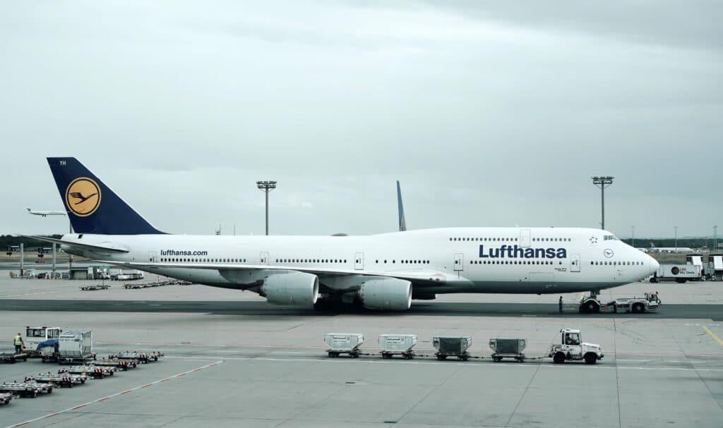 Airport Flughafen Airplane Flugzeug Lufthansa