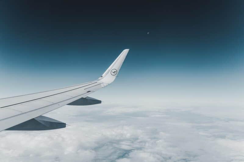 Airport Flughafen Airplane Flugzeug Lufthansa Sky Midair