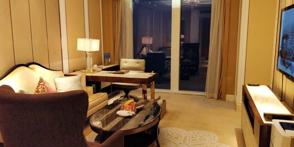 Conrad Dalian Suite Wohnzimmer