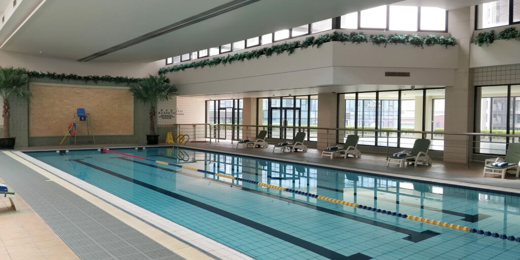 DoubleTree Shanghai Pudong Pool 2
