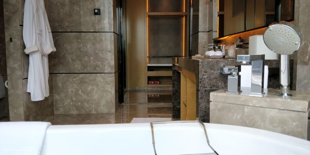 Four Seasons Shenzhen Bathroom 8