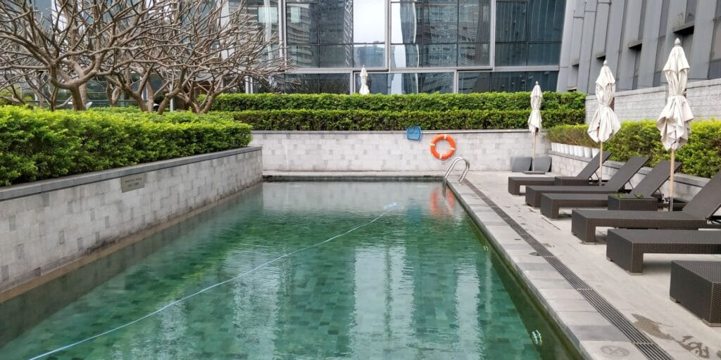 Four Seasons Shenzhen Outdoor Pool 2