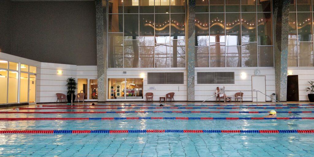Hilton Frankfurt Pool 2
