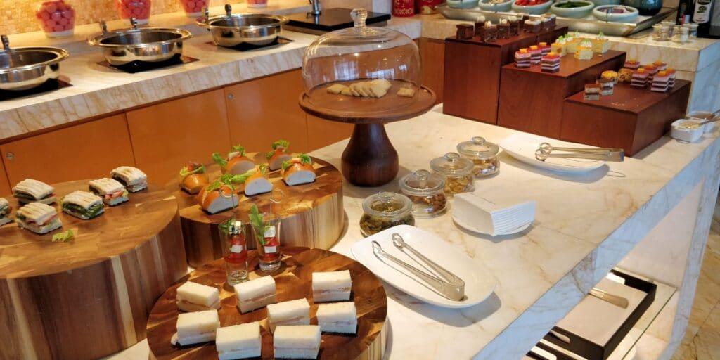 Hilton Guangzhou Baiyun Lounge Afternoon Tea