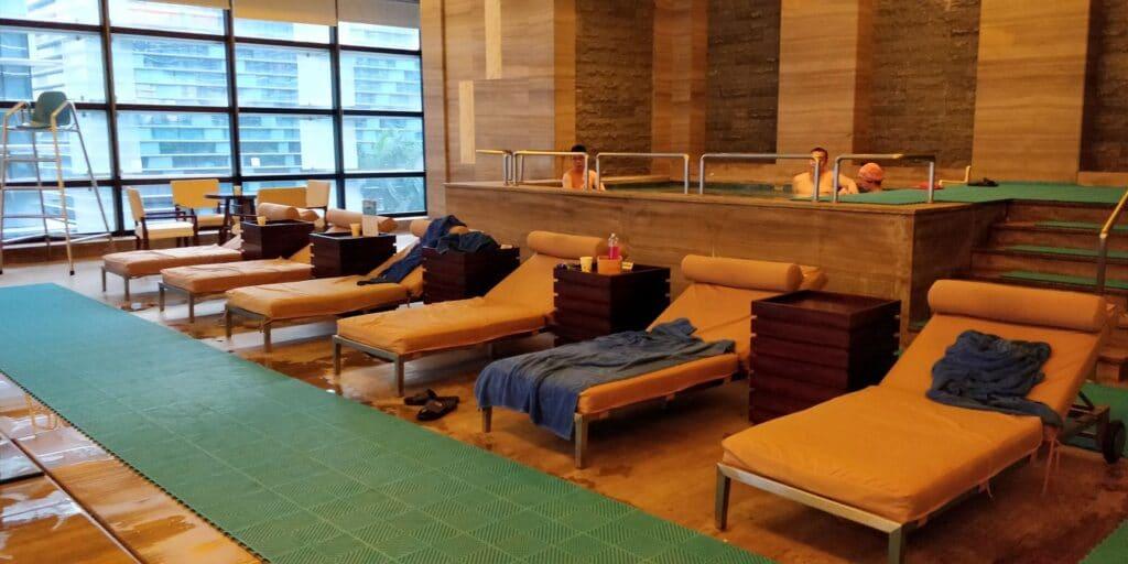 Hilton Guangzhou Baiyun Pool 2
