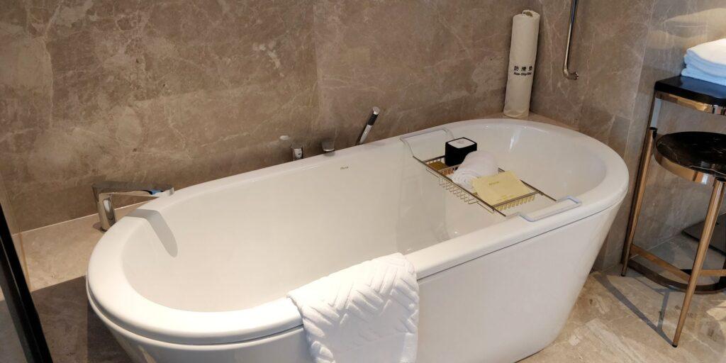 Hilton Hangzhou Xiaoshan Bad 2