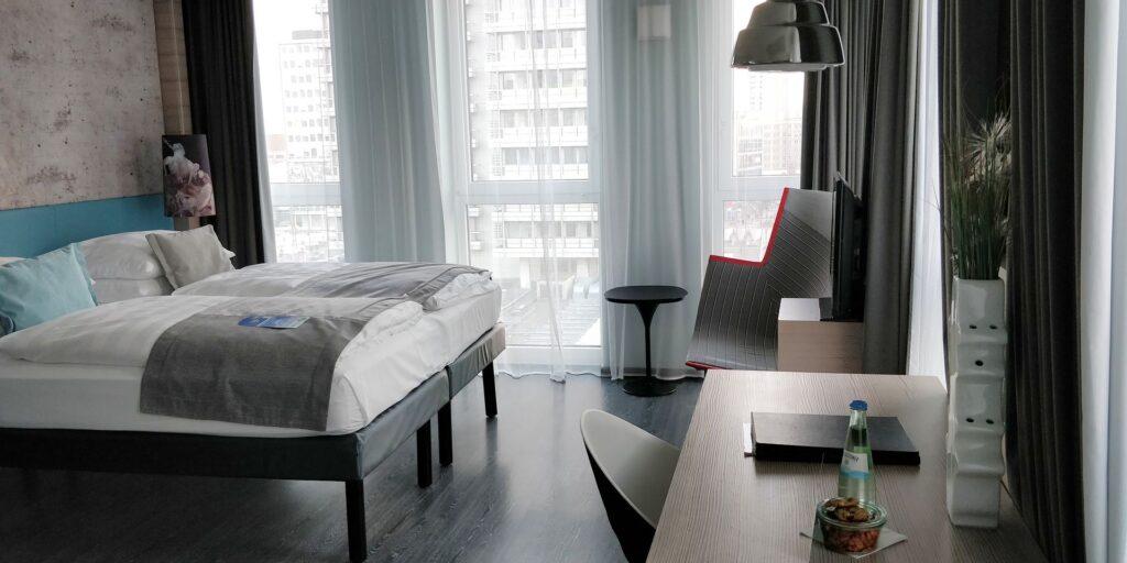 Hotel Indigo Berlin Alexanderplatz Zimmer