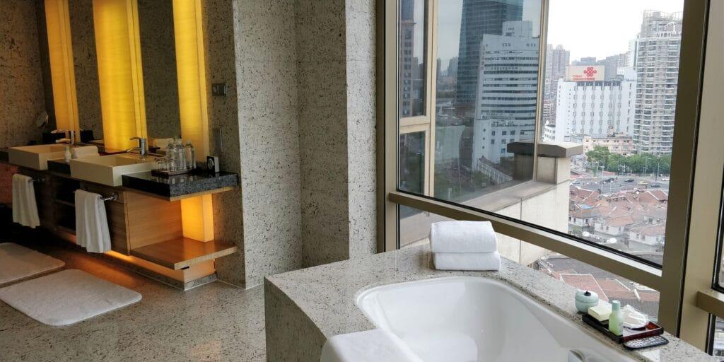 Hyatt On The Bund Shanghai Suite Bad