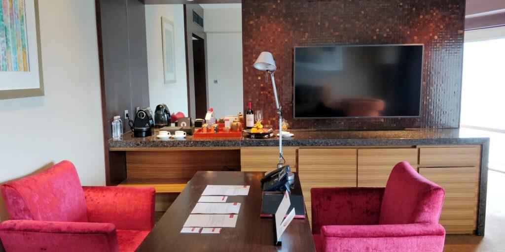 Hyatt On The Bund Shanghai Suite Wohnzimmer 2