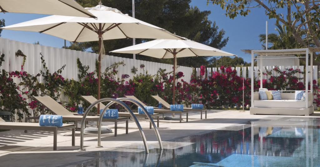 ME Ibiza piscine
