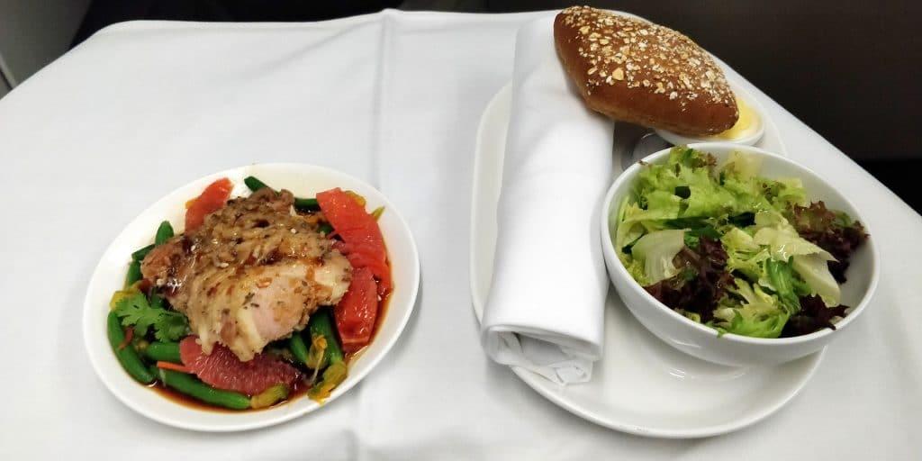 Qantas Business Class Airbus A330 Abendessen