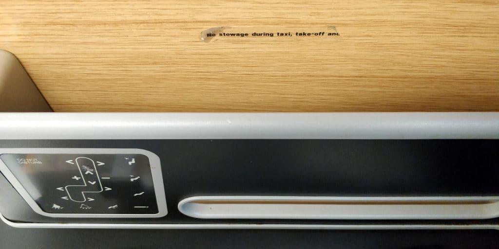 Qantas Business Class Airbus A330 Ablage 6