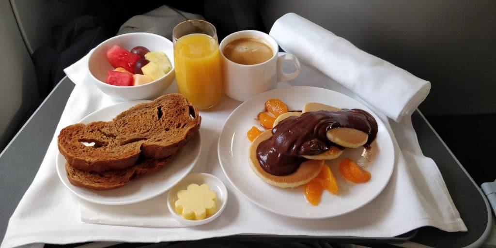 Qantas Business Class Airbus A330 Frühstück