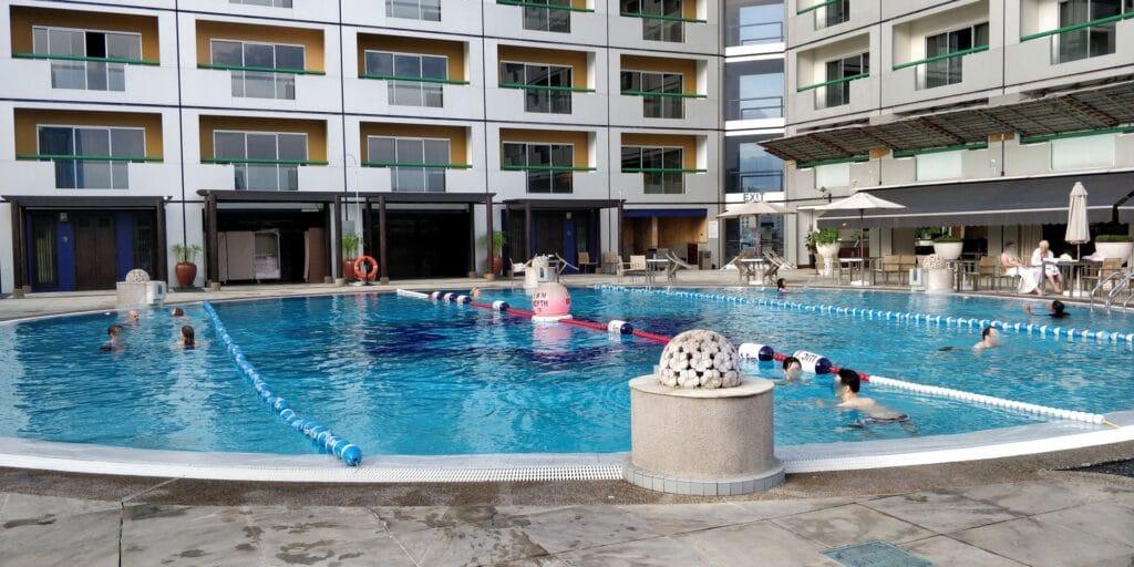 Swissotel The Stamford Singapur Pool 2