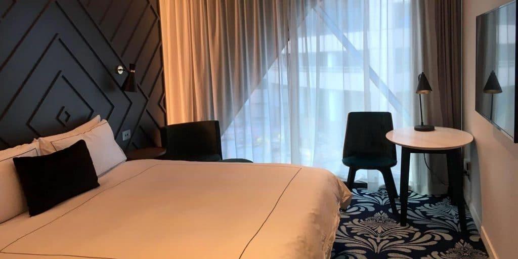 West Hotel Sydney Zimmer