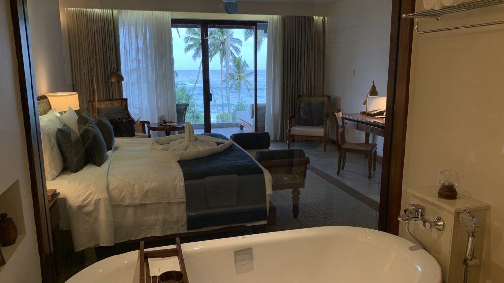 Anantara Peace Haven Tangalle Resort Ocean View Room Badezimmer View