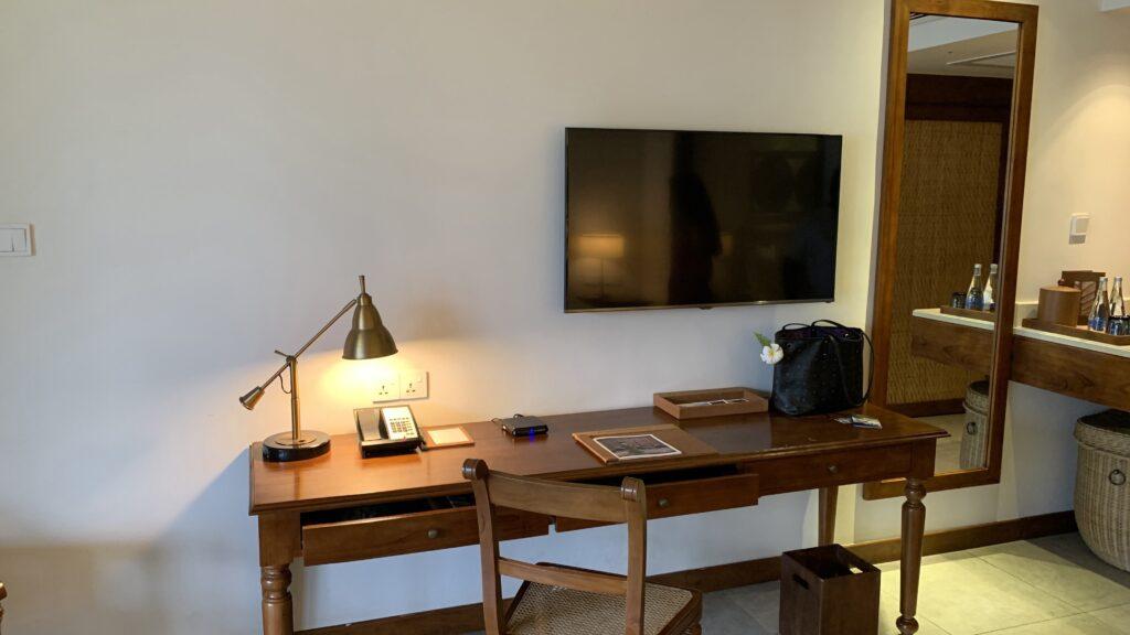 Anantara Peace Haven Tangalle Resort Ocean View Room Schreibtisch