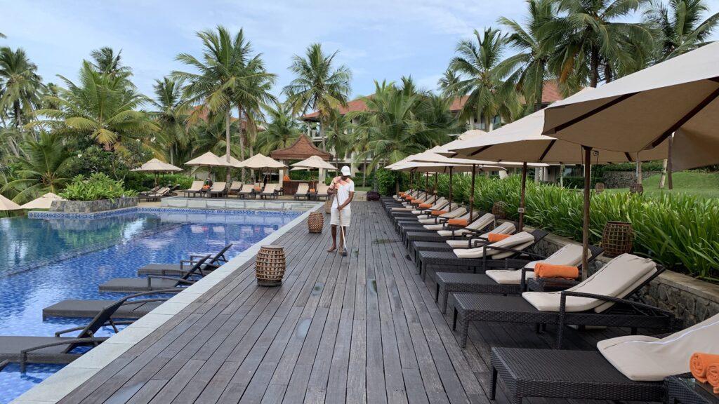 Anantara Peace Haven Tangalle Resort Pool Liegen