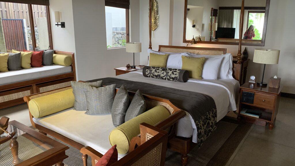 Anantara Peace Haven Tangalle Resort Villa Schlafzimmer