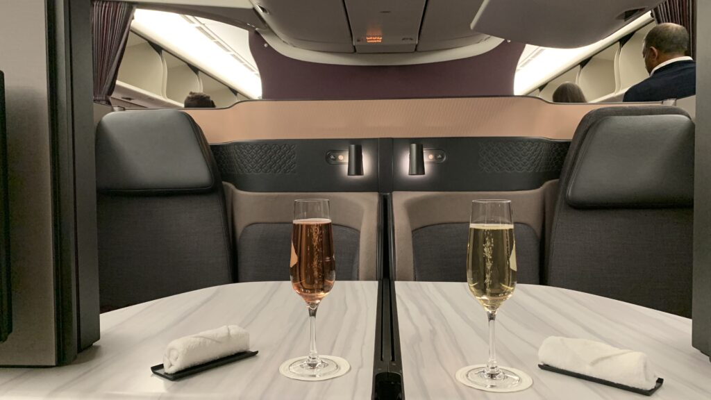 Qatar Airways Qsuite Cahmapgner