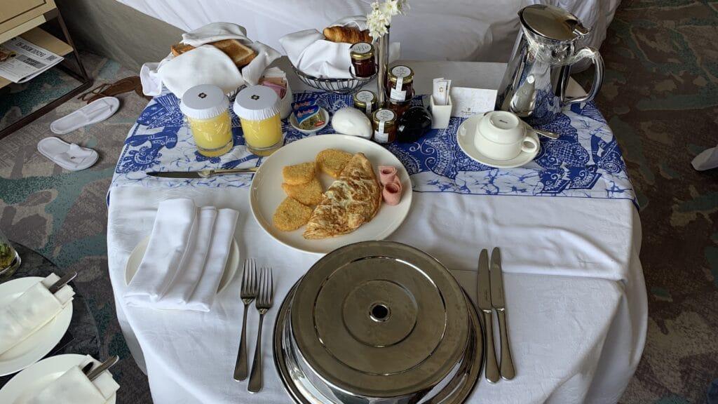 Shangri La Colombo Frühstück Room Service