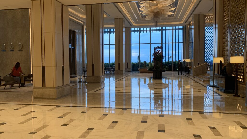Shangri La Colombo Lobby