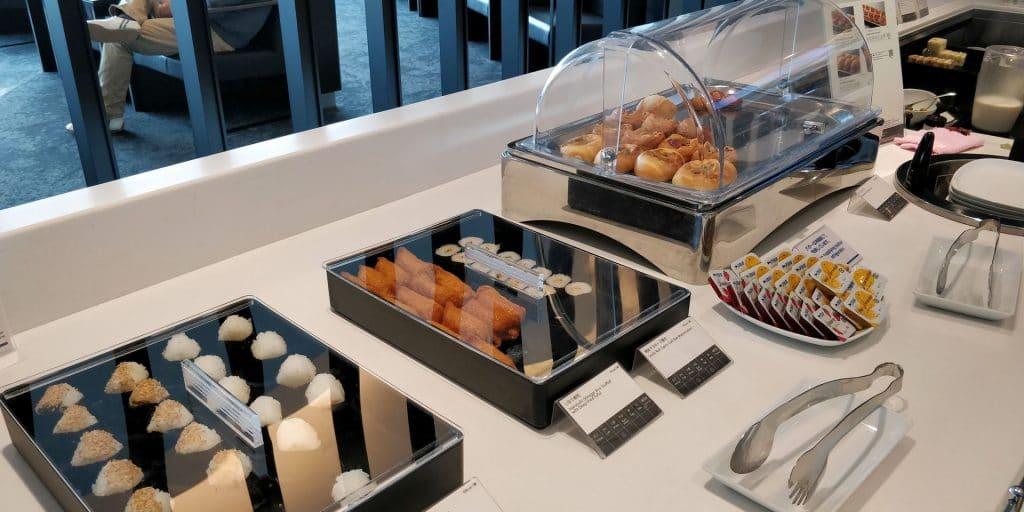 ANA Lounge Tokio Haneda 114 Buffet 5