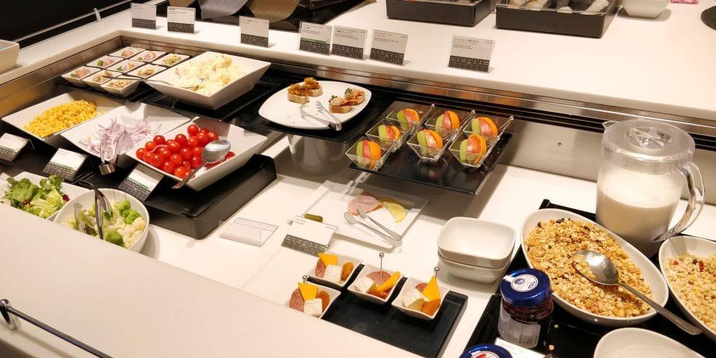 ANA Suite Lounge Tokio Haneda 110 Buffet 5